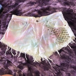 LF mid high waisted studded shorts